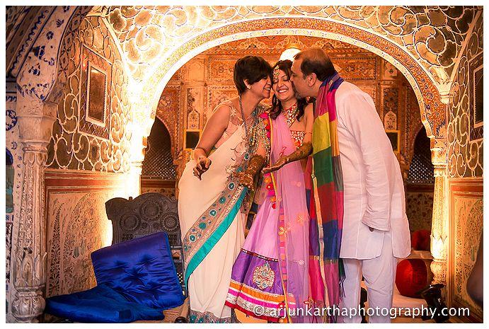 AKP-destination-wedding-photographer-samodh-palace-17