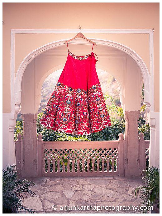 AKP-destination-wedding-photographer-samodh-palace-34