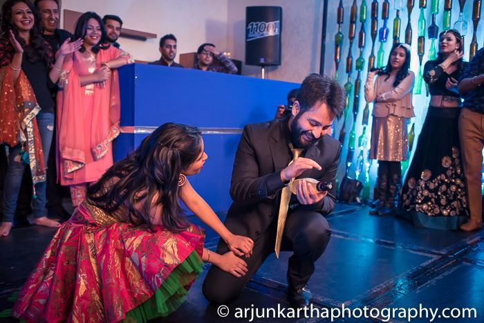 Arjun-Kartha-Candid-Wedding-Photography-Gulveen-Angad-14