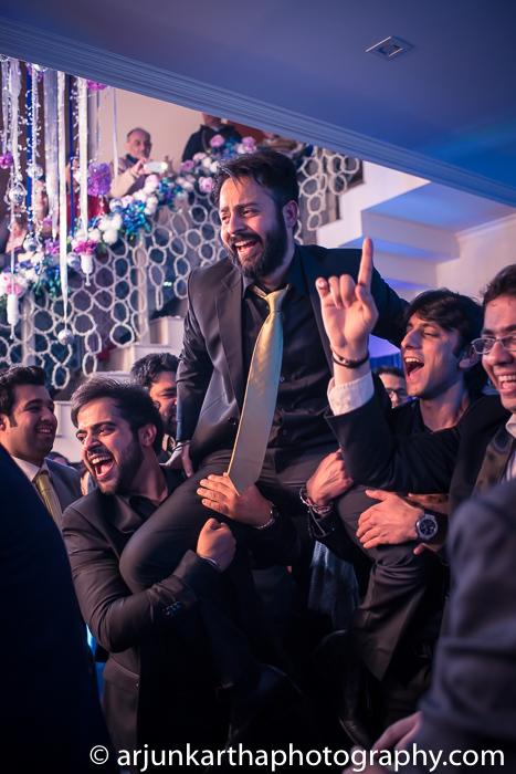 Arjun-Kartha-Candid-Wedding-Photography-Gulveen-Angad-20