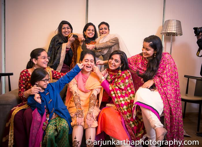 Arjun-Kartha-Candid-Wedding-Photography-Gulveen-Angad-27