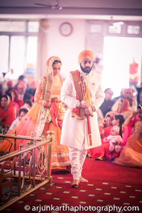 Arjun-Kartha-Candid-Wedding-Photography-Gulveen-Angad-62