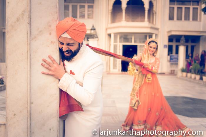 Arjun-Kartha-Candid-Wedding-Photography-Gulveen-Angad-68