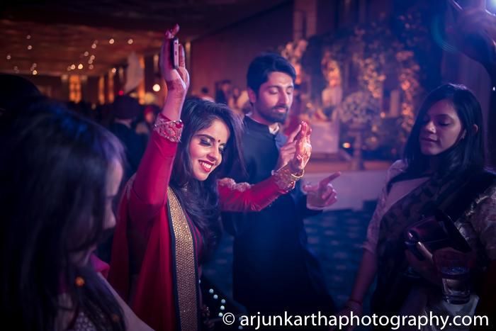 Arjun-Kartha-Candid-Wedding-Photography-Gulveen-Angad-83