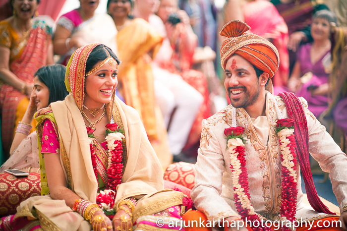 Arjun-Kartha-Candid-Wedding-Photography-Sarika-Avin-128
