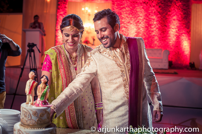 Arjun-Kartha-Candid-Wedding-Photography-Sarika-Avin-148