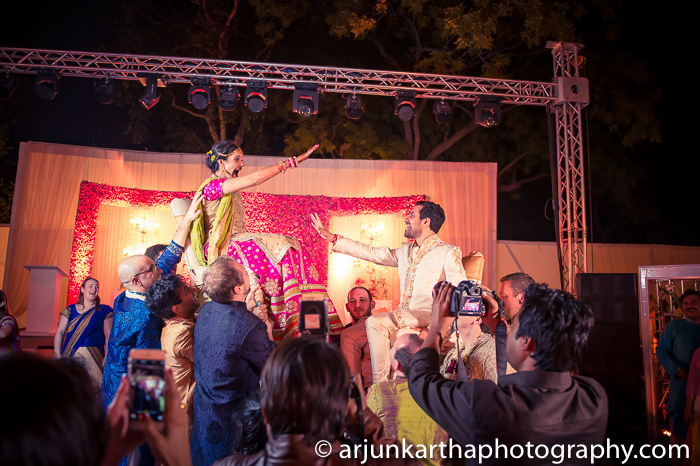 Arjun-Kartha-Candid-Wedding-Photography-Sarika-Avin-155