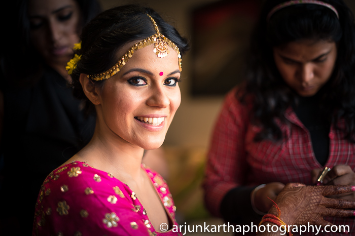 Arjun-Kartha-Candid-Wedding-Photography-Sarika-Avin-85