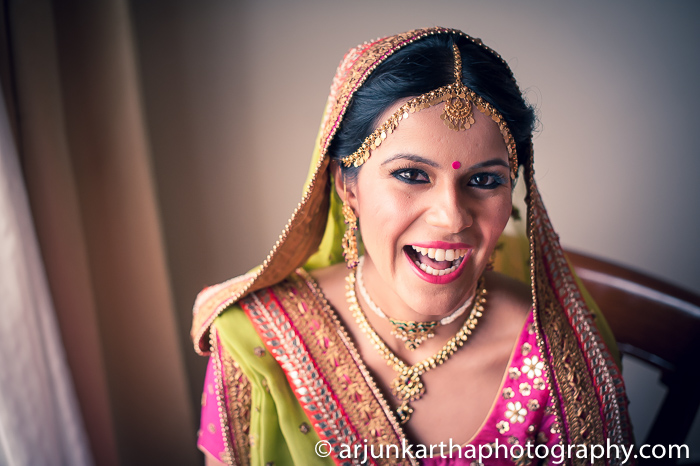 Arjun-Kartha-Candid-Wedding-Photography-Sarika-Avin-96