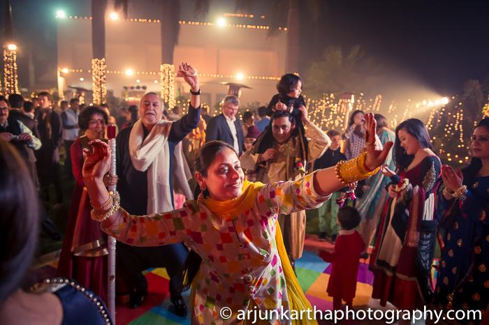 Arjun-Kartha-Candid-Wedding-Photography-Karishma-Aditya-13