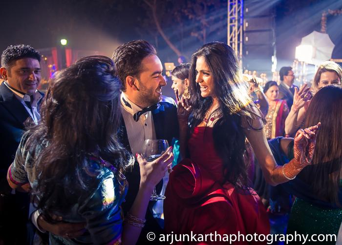 Arjun-Kartha-Candid-Wedding-Photography-Karishma-Aditya-31