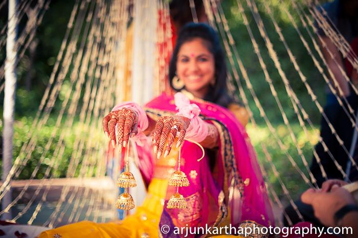 Arjun-Kartha-Candid-Wedding-Photography-Karishma-Aditya-40