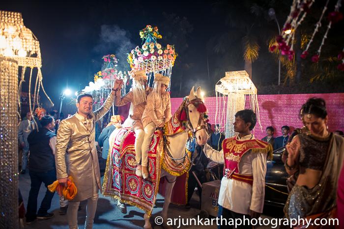 Arjun-Kartha-Candid-Wedding-Photography-Karishma-Aditya-48