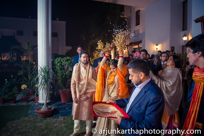 Arjun-Kartha-Candid-Wedding-Photography-Karishma-Aditya-55
