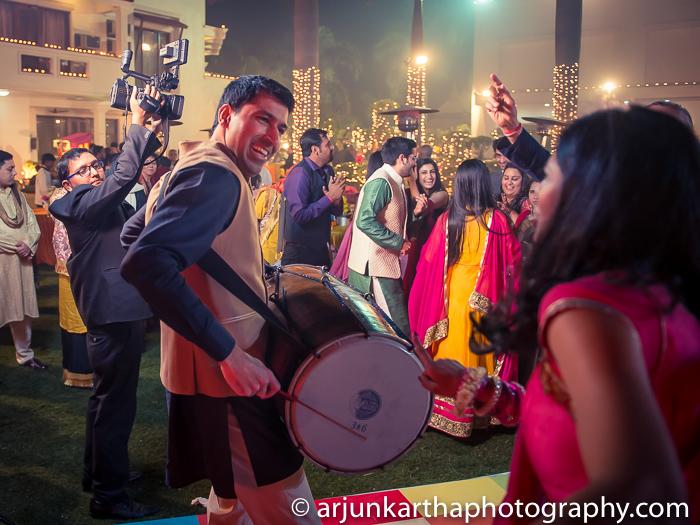 Arjun-Kartha-Candid-Wedding-Photography-Karishma-Aditya-65
