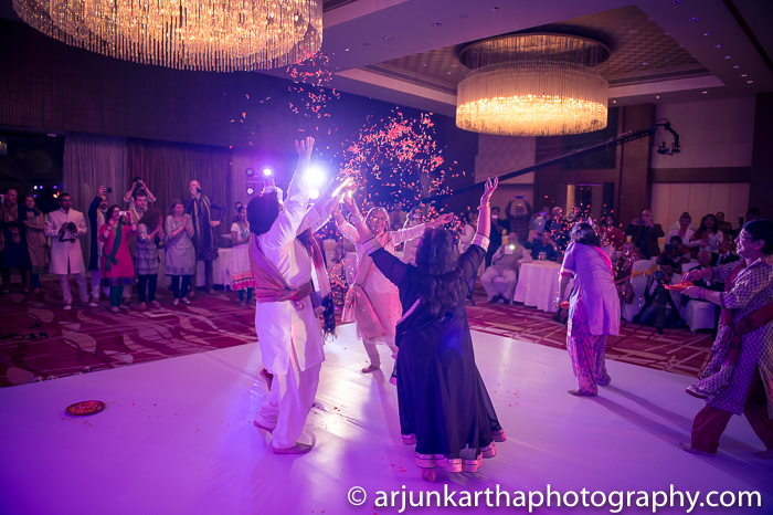 Arjun-Kartha-Candid-Wedding-Photography-Shampa-Matthias-41