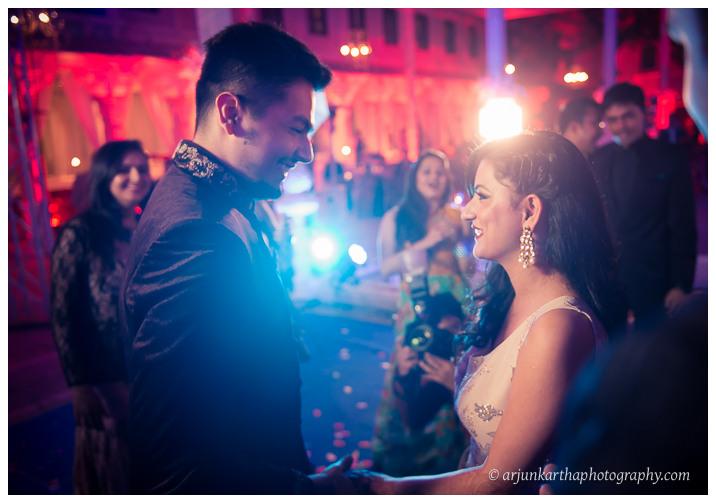 Arjun-Kartha-Candid-Wedding-Photography-Jagmandir-Udaipur-11