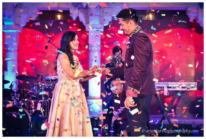 Arjun-Kartha-Candid-Wedding-Photography-Jagmandir-Udaipur-12