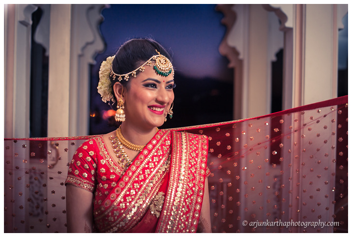 Arjun-Kartha-Candid-Wedding-Photography-Jagmandir-Udaipur-34