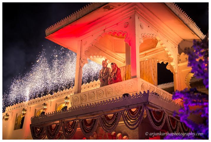 Arjun-Kartha-Candid-Wedding-Photography-Jagmandir-Udaipur-38