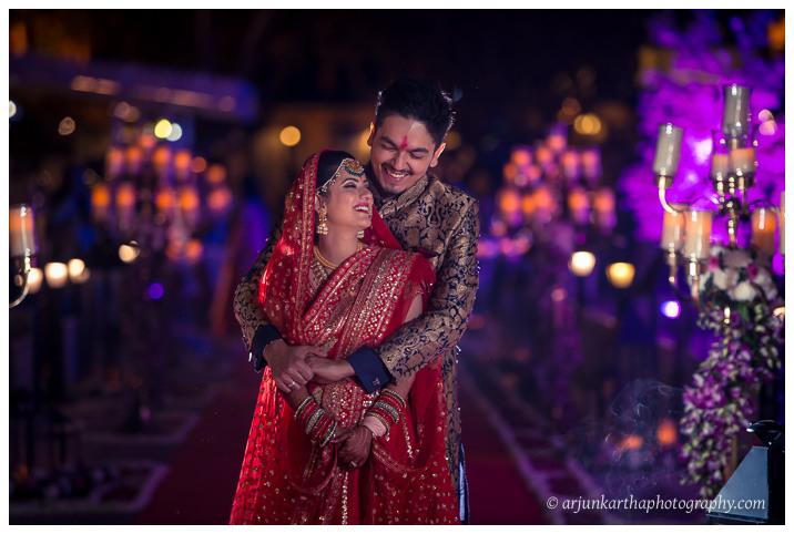 Arjun-Kartha-Candid-Wedding-Photography-Jagmandir-Udaipur-50