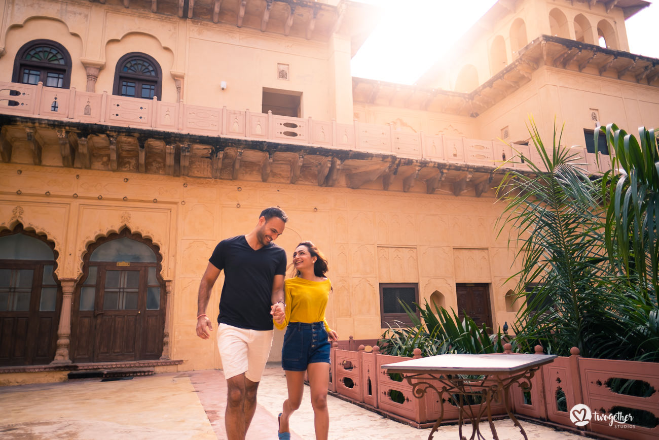 Fun prewedding couple shoot in Neemrana Tijara