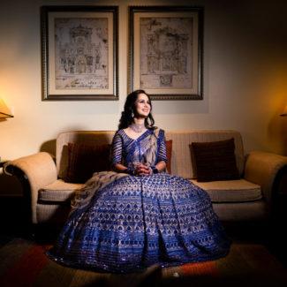 Noiva vestida de Mange Malhotra sangeet para sua festa de casamento