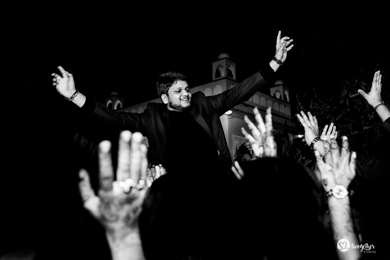 Uma história de fotos de casamento em Jaipur | Shreya + Dakshit 1