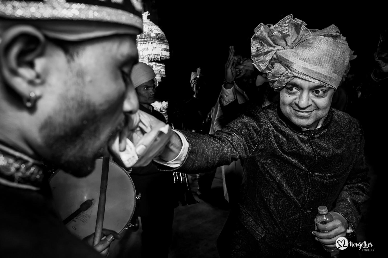 Uma história de fotos de casamento em Jaipur | Shreya + Dakshit 16
