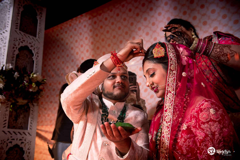 Uma história de fotos de casamento em Jaipur | Shreya + Dakshit 22