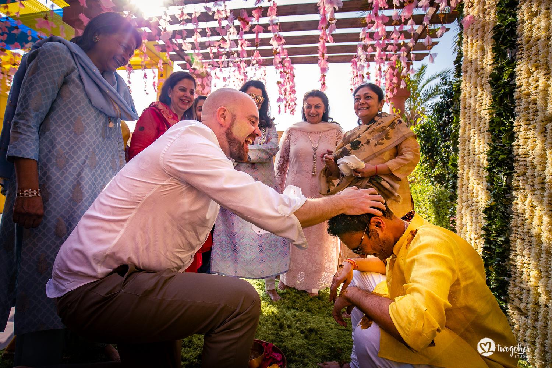 Um casamento de destino Jaisalmer |  Srishti + Rishabh 72