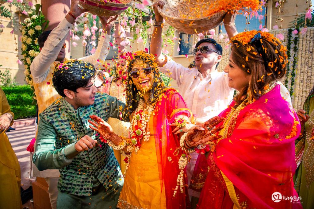 Um casamento de destino Jaisalmer |  Srishti + Rishabh 75