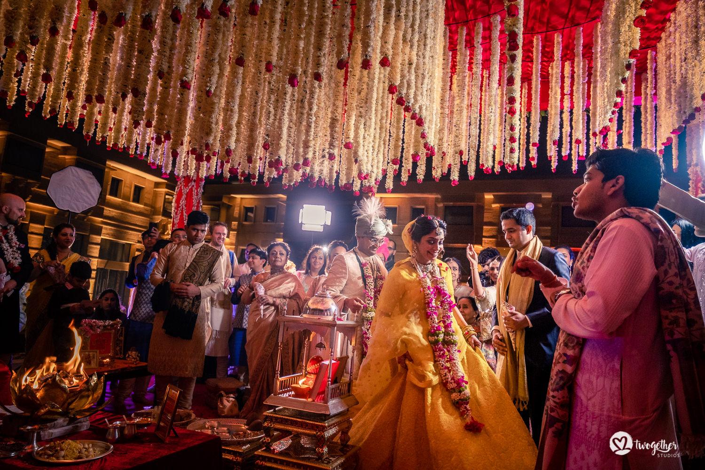 Um casamento de destino Jaisalmer |  Srishti + Rishabh 84