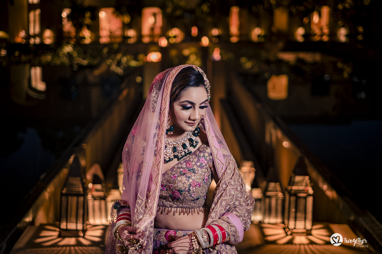 Indian bride portrait in a Delhi wedding in the Trident hotel.